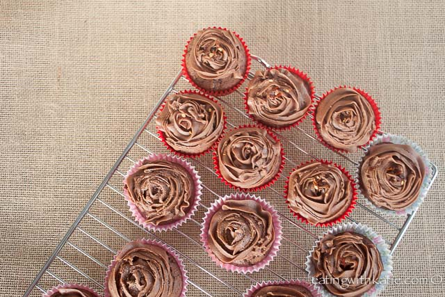 chili cupcakes rack
